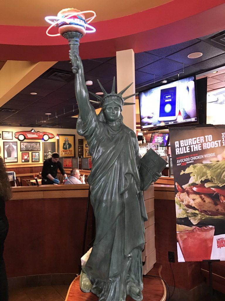 Statue of hamburger